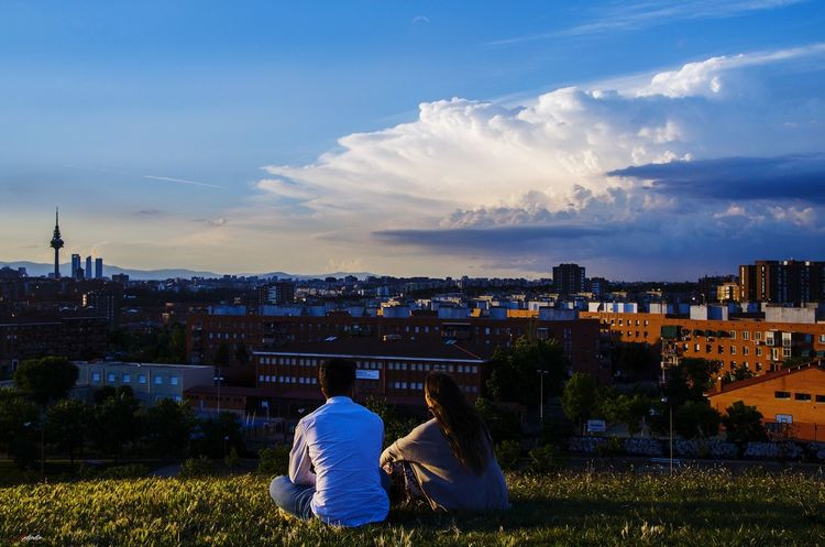Cerro del tío pio Madriz #photography #EyeEmNewHere #streetphotography #EyeEm #madrid #callejeando #eyeemphotography #madrid Politics And Government Cityscape City Urban Skyline Sky Architecture Cloud - Sky Building Exterior Landscape