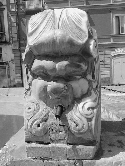Fontana Piazza Gragnano Napoli