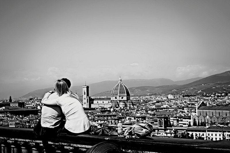 Live Love Shop Firenze Florence Bnw Streetphotography Love Couple Lover Bnwphotography Bnw_captures Bnwmood First Eyeem Photo