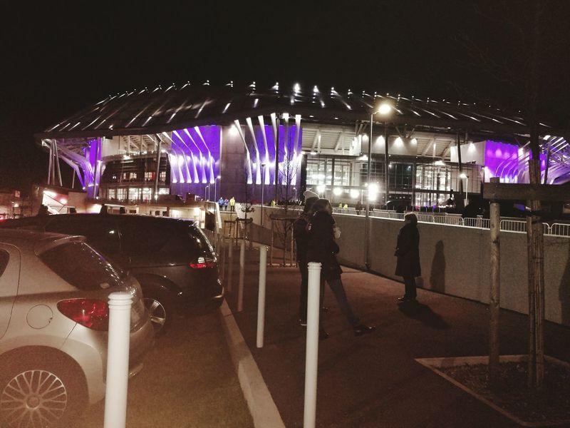 Jour de match!,💪👌🤘👍 Parc Olympique Lyonnais Illuminated Night People Lyon❤ Football