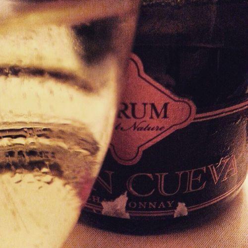 Esta ha sido mi elección para recibir el 2015  . GranCueva Brutnature Chardonnay de @verumbodegas. Defendiendo el vino en general y en especial lo bien hecho de mi tierra. Salud Exitos y siempre WINEUP
