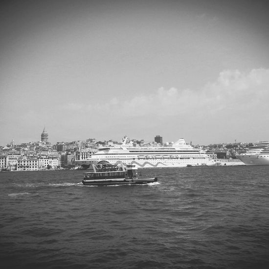 Ben deniz de bir gemi, dalgalar vurdu beni ... First Eyeem Photo