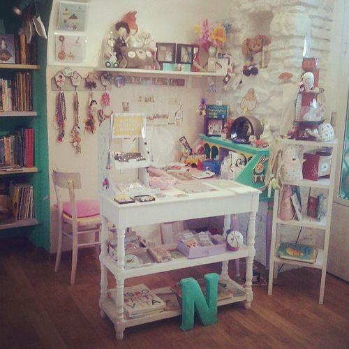 La Casa di Niglio! Store Kids Kidsstore bookstore books bunnies aqua instalate Sanremo instaitalia