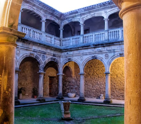 Old monastery closter view From My Point Of View Night Lights Monastery Closter Old Buildings Architecture Architectural Column SPAIN Ancient Architecture History Historical Building Zenarruza Learn & Shoot: Balancing Elements The Architect - 2016 EyeEm Awards