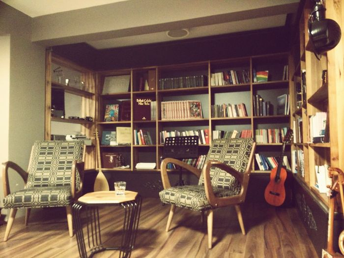 İf you are not happy with your office, Success is difficult... Taking Photos Office View Working Books Mini Library Guitar Relaxing