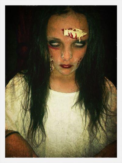 Halloween Trickortreat Zombie Makeup