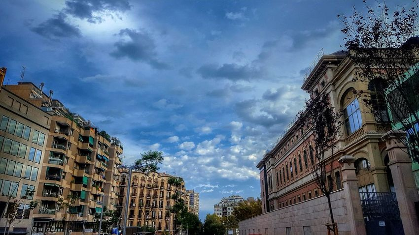 Cloud - Sky Low Angle View Sky Outdoors Architecture No People Multi Colored Day Perspectives On Nature Landscape HDR Clouds And Sky Cloud Cityscapes City Hrd Street Low Angle View Cityscape Streetphotography Scenics Barcelona Architecture Skyscraper Clouds
