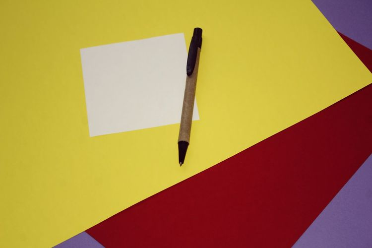Yellow Paper Close-up Adhesive Note Sticky To Do List Note Clip Announcement Message Thumbtack Bulletin Board Paper Clip Fountain Pen Handwriting  Nib Office Supply Reminder Writing Instrument Note - Message