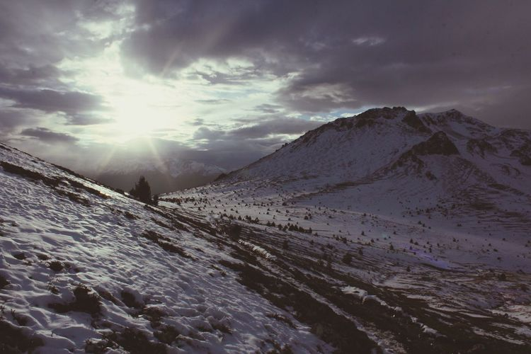 Mountain Snow Cold Temperature Winter Sunlight Sun Sky Landscape Cloud - Sky Majestic EyeEmNewHere