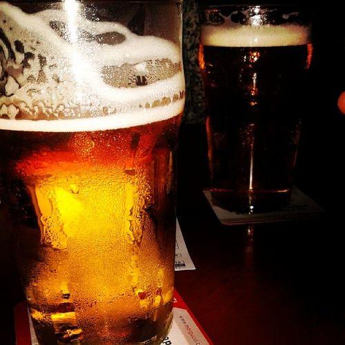 1 pint, 2 pints, 3 pints... Carnaval bom é carnaval assim Chopp Beer