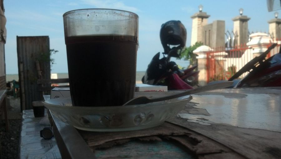 Relaxing Taking Photos Hi! Check This Out Enjoying Life Hanging Out Coffee Time Hello World Coffee And Cigarettes Coffee Black Coffee Sea And Sky Summer ☀