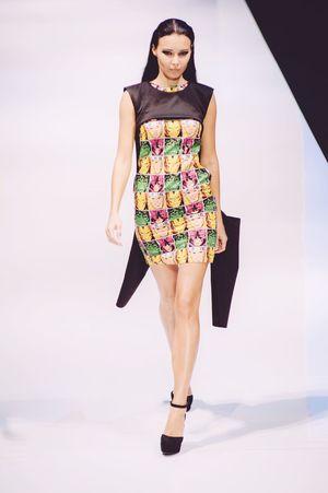 Striking Fashion Female Model Hello World Photojournalism Klfwrtw2015 Fashioneditorial Fashion Show Fashion Photography