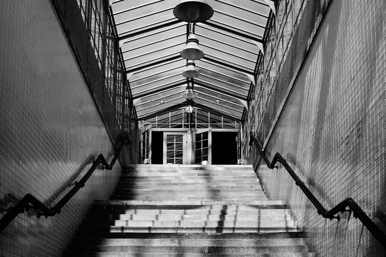 Architecture Aufgang Best Of Stairways Built Structure Ceiling Empty Licht Und Schatten Light And Shadow No People Repetition S-bahnhof Staircase Stairs Stairs Stairs_collection Stairway Steps The Way Forward Treppe Urban Vanishing Point Walkway