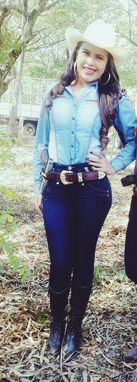 Cowgirl Perfect Model BUCHANAN'S