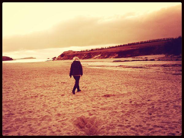walks along the beach ♡