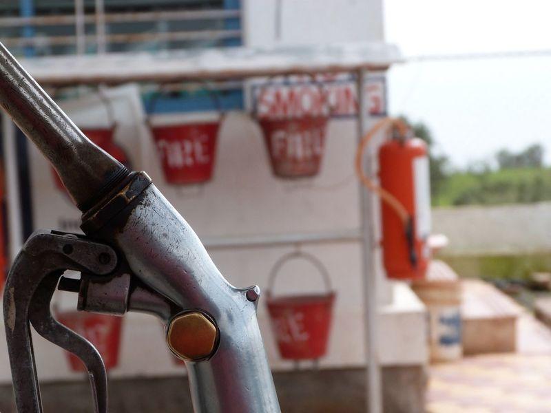 India Indiapictures Waterpump Fire Buckets Fire Extinguisher Water Bucket Bucket Close-up