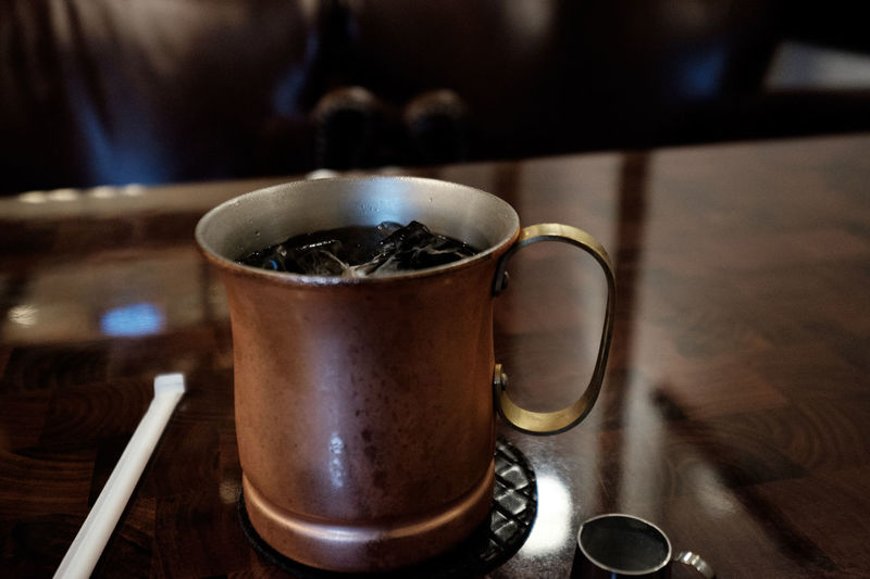 Bronze Coffee Cup Food And Drink Freshness Fujifilm Fujifilm X-E2 Fujifilm_series Fujifilm_xseries Metal Old-fashioned Tea Cup ıced Coffee アイスコーヒー