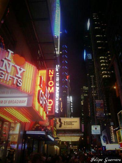Luces De Neón New York City Manhattan Viajesenfamilia