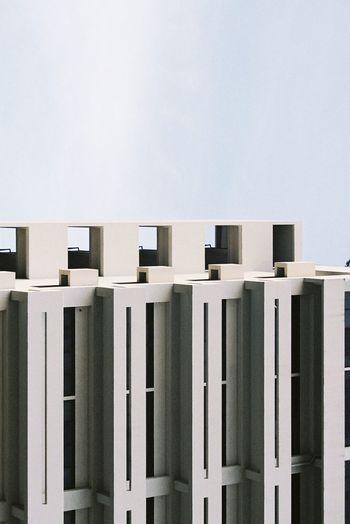 Minimal tone building