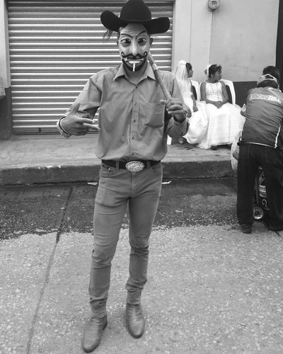 Cuadrilla de los Vaqueros, Atlatlahucan Morelos, México. Tradicionesmx Atlatlahucan CuadrillaDeLosVaqueros Men Smoking Smoking Issues Cigarette  First Eyeem Photo