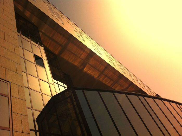 Cityscapes Window Architecture Light And Shadow Reflection The Architect - 2015 EyeEm Awards Sunset in Köln , Germany Amazing Architecture Your Design Story 43 Golden Moments Pivotal Ideas Minimalist Architecture #urbanana: The Urban Playground