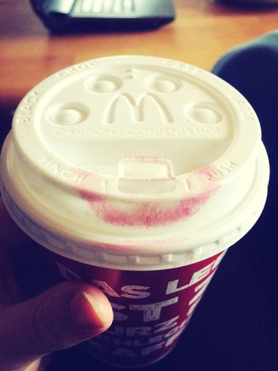 Das Leben ist zu kurz um auf ne heiße Weiße zu verzichten ;) hot white chocolate, yummy! Red Lipstick
