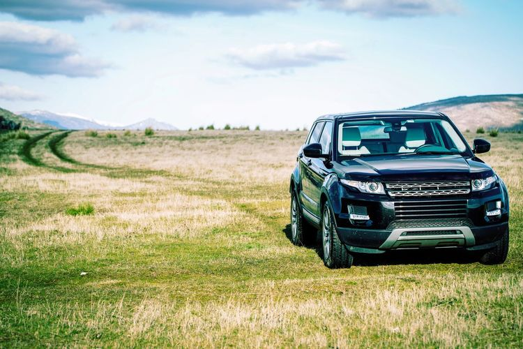 Adapted To The City Range Rover Nature_collection 4x4 Cars Landscape_Collection Landscape Vehicle Transportation Black Car Path The Drive Offroad My Year My View Finding New Frontiers Traveling Home For The Holidays The Secret Spaces Lost In The Landscape