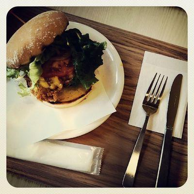 予行さぼってバーガー(*´ω`*)♪ Delicious Harajuku Tokyo Hamburger