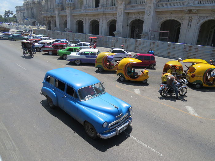 Built Structure Car City City Life Cuba Havana Havana, Cuba Havana,Cuba Land Vehicle Mode Of Transport Parked Parking Road Street Street Photography Transportation Travel The World Vintage Car