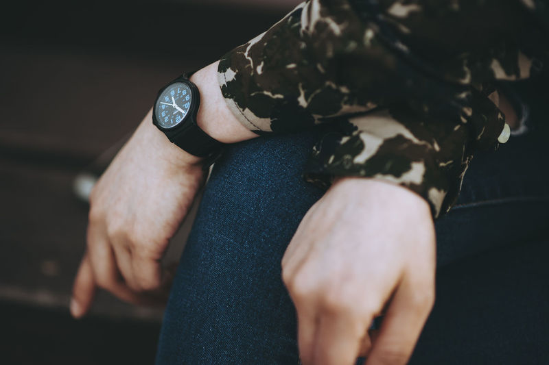 Adult Close-up Day High Angle View Human Body Part Human Hand Indoors  Lifestyles Low Section Men Midsection One Person People Real People Standing Time Watch Women Wristwatch