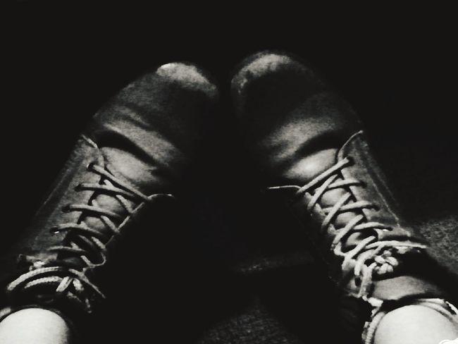 """Vivimos en un mundo en el que te define tu dinero, no importa lo que piensas, como actúas o lo que dices, y si te dejan hacerlo, te juzgan"""" - Sofía Carrasco F... I Love My Shoes : )"""