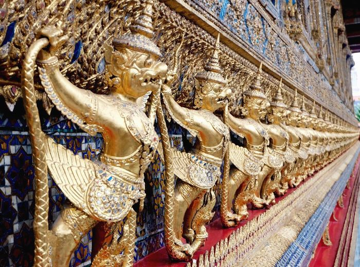 Spotted In Thailand jewels in the palace Check This Out Hello World Hanging Out Enjoying Life EyeEm Best Edits EyeEm Gallery Taking Photos Holiday POV Bangkok Gold The Architect - 2016 EyeEm Awards Lieblingsteil
