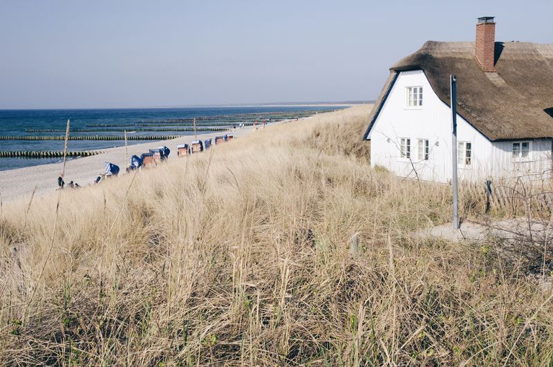 Thatched Roof Thatched House Thatched Cottage Thatched House Beach Baltic Sea Sea Day Traveling Travel Ahrenshoop Germany