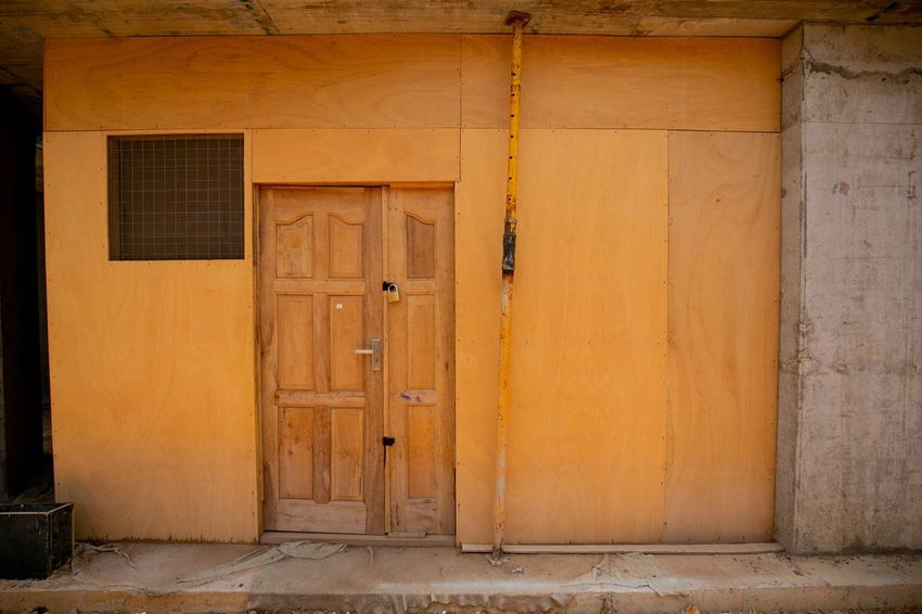 Ply Eyeemghana Dorofoto Onefotos Door Entrance Architecture Built Structure Building Exterior Safety Closed Residential District Wall - Building Feature