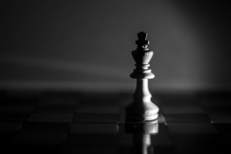 Chess King Check This Out Light And Shadow Reflection Macroclique Black And White Malephotographerofthemonth Taking Photos Sidelight