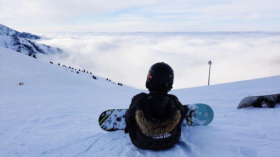 Выше облаков Man Weekend Activities Almaty Kazakhstan Weekend Men Winter Snow Cold Temperature Silhouette Sky Cloud - Sky Hiker Snowboarding