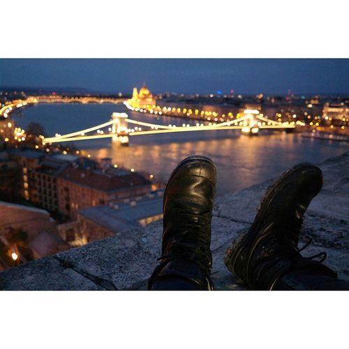 앞으로남은여정을 함께해줄나의귀염둥이💏 헝가리 부다페스트 Budapest Budacastle 유럽여행 유럽 여행 여행스타그램 발스타그램 신스타그램 애자매 시즌2 온니쫭 야경 배낭여행 팔라디움 팔라듐 닐바렛 오빠쫭 신발 아리가또