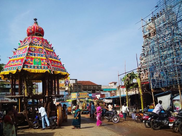 wooden structure vehicle was built outside koppudiamman temple to carry the god to meet her sister god in mariamman kovil Mariamman Koppudiamman Sister God Indian Gods INDIAN TRADITION Chettinadu Hindu Temple Architecture Building Exterior EyeEmNewHere