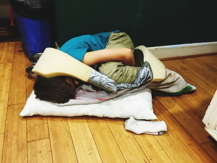 Mess Boy Boy Relaxation Full Length One Person Real People Lying Down Indoors  Sleeping Child Flooring