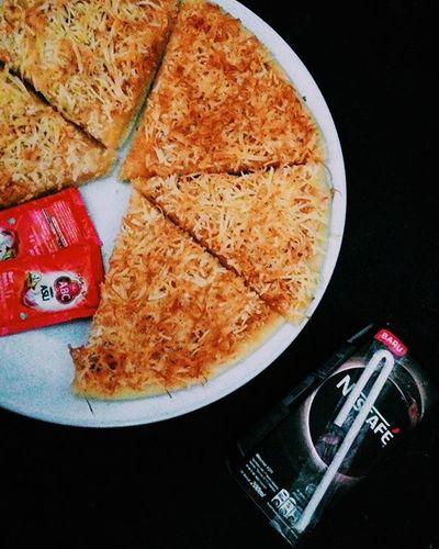 My midnight date😍🍕 💜 Bknendorse Pizzalokal Foodporn