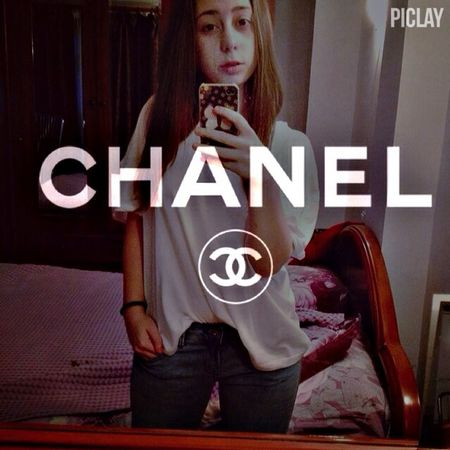 Coco Chanel Fashion ✌️?