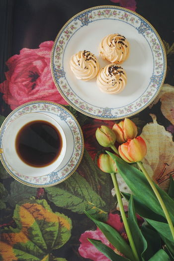 coffee break Coffee Coffee Cup Top View Top Perspective Flat Lay Flower Flowers Tulips🌷 Spring Spring Flowers Old Fashion Oldfashioned Plate Directly Above Table High Angle View Close-up Food And Drink Tart - Dessert Tea Cup Pastry Tea - Hot Drink Japanese Tea Cup Chinese Tea