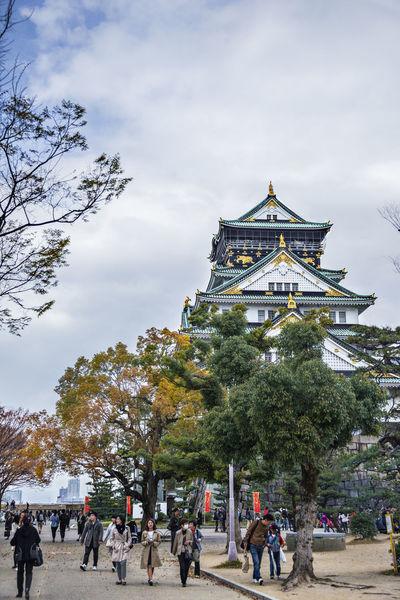 Ultimate Japan Japan OSAKA Osaka Castle Relic Vertical Composition Architecture Castle Tower City Life Cloud Cloud - Sky Cloudy Day Famous Place Famous Tourist Attractions History Leisure Activity Lifestyles Outdoors Sky Tourism Tourist Travel Destinations