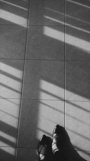 Photooftheday Photography Sunkissed Sunsetporn Perfect Day Photoshoot Sunkissedskin Sunkissed Photography Shoes ♥ Shoes Shoeshine Shoesporn Black Blackandwhite Photography