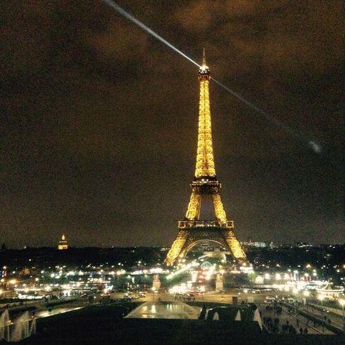 Encore une journée parfaite passé à vos côté ❤️❤️ La Famille ♥ Paris ❤ La Tour Effel