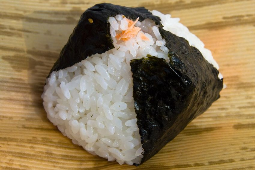 Food Food And Drink Close-up Japanese Food Rice - Food Staple Seafood Indoors  Onigiri Healthy Eating Freshness Sushi Nori Japanese  Rice Rice Ball Seaweed Day Ready-to-eat Food And Drink Asian Food Japanese Food No People Seafood Freshness Sushi Rice White Color Steamed