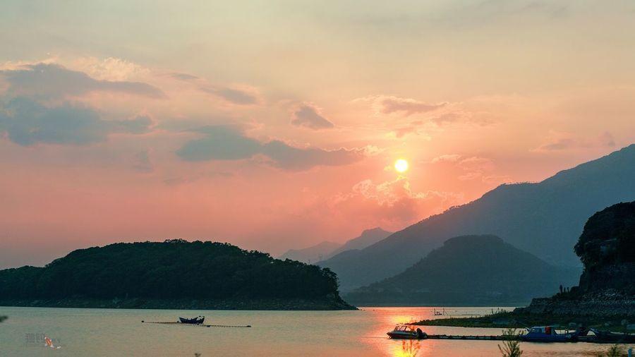 石竹湖落日 Water Sky