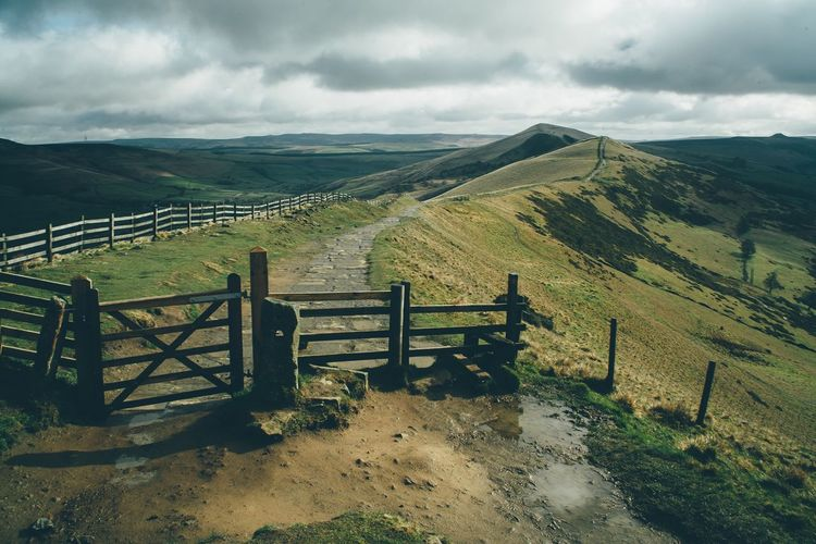 Mam tor in the Peak District . Beautiful walk! Vscocam VSCO Vscogood EyeEm Best Shots EyeEm Nature Lover EyeEm Gallery EyeEm Landscape Landscape_photography Landscape_Collection Canon Exploring Walking Around Spring