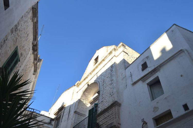 Architecture Cisternino Lecce Puglia View Architecture Blu Sky Building Exterior Built Structure Clear Sky Day Italy Low Angle View No People Outdoors Outside Simple Beauty Sky Sunlight Travel Destinations Window
