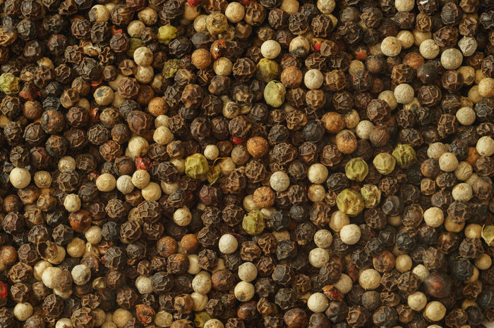 Mixed Peppercorns Background Close-up Black Pepper Cooking Ingredients PEPPERCORN Peppercorns Abundance Backgrounds Black Peppercorn Close-up Close—up Food Food And Drink Freshness Full Frame Large Group Of Objects Macro No People Pepper Red Peppercorn Seasoning Seasonings Spice Spices White Pepperc White Peppercorn